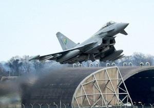 Бомбить Ливию будут восемь итальянских самолетов