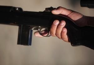 Во Львове задержали мужчину, который носил с собой автомат для самозащиты