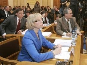 Партия регионов пригрозила отставкой министру труда