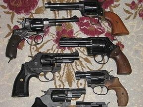 В Полтаве задержали офицера Внутренних войск, который торговал оружием