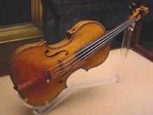 Американский музыкант забыл в такси скрипку за 4 миллиона долларов
