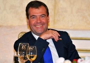 Медведев заявил, что не министру финансов решать, повышать ли пенсионный возраст