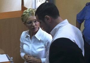 Адвокаты попросили суд разрешить встречаться с Тимошенко ночью и в выходные дни