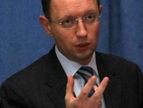 Перед выборами Яценюк не будет   размениваться ни на какие конфеты