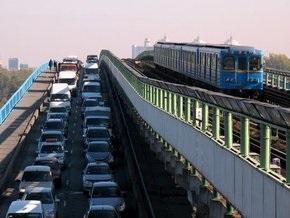 С завтрашнего дня проезд в киевском метро подорожает в четыре раза