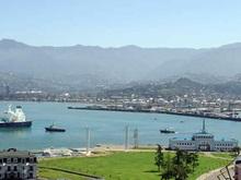 Туристы спешно покидают грузинское побережье