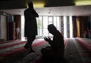 Мусульмане собрались в Осло на молебен памяти жертв трагедии