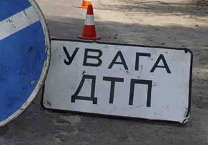 В Крыму автомобиль врезался в дерево: погибли россиянка и украинец