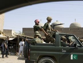Жертвами теракта в пакистанском Пешаваре стали 25 человек
