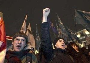 В Минске колонну сторонников оппозиции разогнали шумовыми гранатами