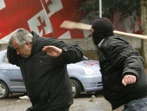 Грузинские радикалы попытались взять штурмом здание телеканала