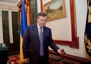 Корреспондент: Высшие украинские чиновники делают из своих рабочих кабинетов роскошные офисы