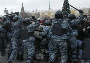 Медведев обязал милицию применять все средства, чтобы не допустить  бардак на улицах