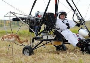 Путин полетал на дельтаплане во главе стаи журавлей