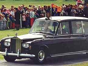 Шофер британской королевы за $1500 позволил прессе проникнуть во дворец