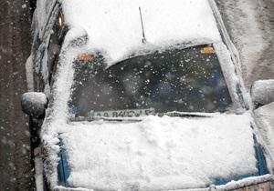 Автомобильное сообщение между Донецком и Луганском прервано из-за снегопада и ДТП
