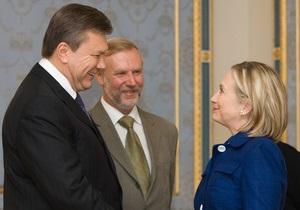 Американский конгрессмен попросил Клинтон обсудить с Януковичем ситуацию со свободой слова в Украине