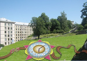 Цветочные часы в центре Киева запустят ко Дню Победы
