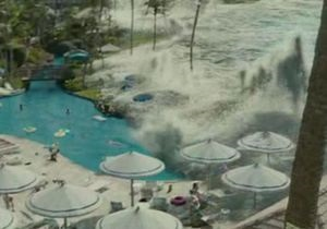 В Японии из-за сцены с цунами с проката сняли фильм Клинта Иствуда