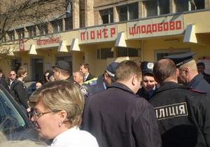 СМИ: В больнице скончалась девушка, пострадавшая в ДТП в центре Киева