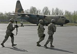 Медведев: США должны закрыть авиабазу Манас в Кыргызстане после завершения операции в Афганистане