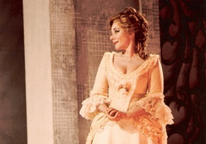 В США умерла оперная певица Эвелин Лир