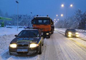 Водителей грузовиков и фур просят не въезжать в Киев сегодня ночью и завтра днем