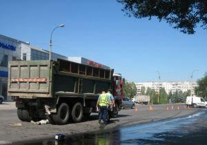 В Луганске столкнулись два большегрузных автомобиля, погиб пешеход