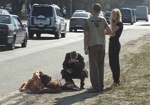В Киеве на Большой кольцевой автомобиль сбил женщину