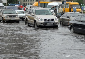 Никаких рисков: мэрия Киева заверила, что контролирует ситуацию с таянием снега