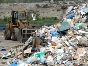 В Тернополе десятый день кряду не вывозят мусор