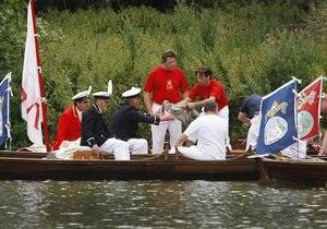 Новости Великобритании - монархия в Великобритании: В Лондоне торжественно пересчитают лебедей
