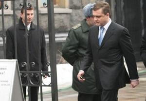 БЮТ: Левочкин собирает телефонные номера оппозиционных депутатов