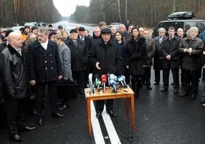 Открытую Азаровым дорогу Киев - Ирпень перекрыли на неделю