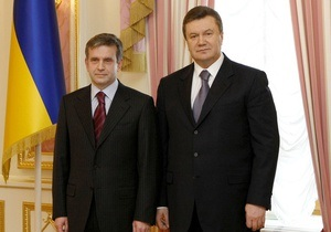 Янукович отметил успехи Зурабова в изучении украинского языка