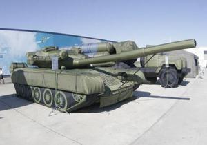 Российская армия закупит надувные танки и самолеты