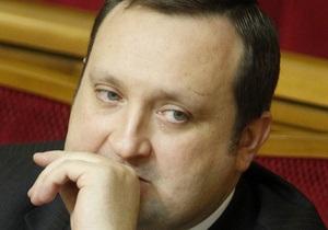 Рост цен в Украине: в СМИ попало жесткое письмо Арбузова к Азарову
