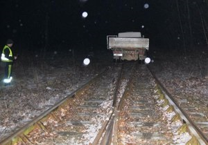 В Польше пьяные украинцы поехали за водкой на грузовике по железной дороге