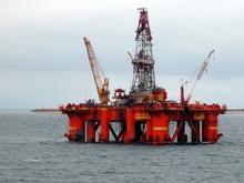 Впервые с апреля цена барреля нефти упала ниже 100 долларов
