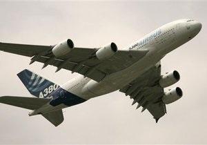В Нью-Йорке крупнейший в мире пассажирский лайнер не смог взлететь из-за технических проблем