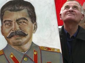 В России появились мобильные телефоны с изображением Сталина