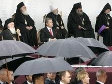 Le Monde:  Политическое  празднование 1020-летия крещения России и Украины