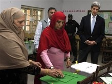 На выборах в Пакистане с «шокирующими» результатами побеждает оппозиция