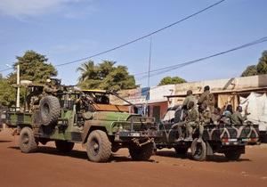 Французы вступили в уличные бои с исламистами в Мали
