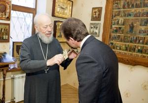 Митрополит Владимир благословил Попова