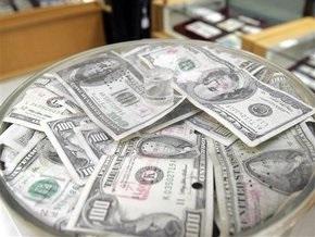 Доллар продолжает падать на межбанке