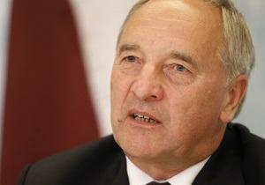 Президент Латвии застрял в Брюсселе из-за отмененного рейса лоукоста