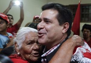 На президентских выборах в Парагвае с большим отрывом лидирует оппозиционный кандидат