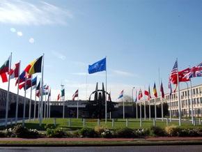 МИД Германии: К приему Украины и Грузии в НАТО нужно подходить осторожно