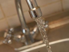 Эксперт: Водопроводная вода в Киеве опасна для здоровья